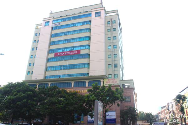 Cho thuê mặt bằng tòa nhà mặt phố Láng Hạ, Đống Đa, Hà Nội